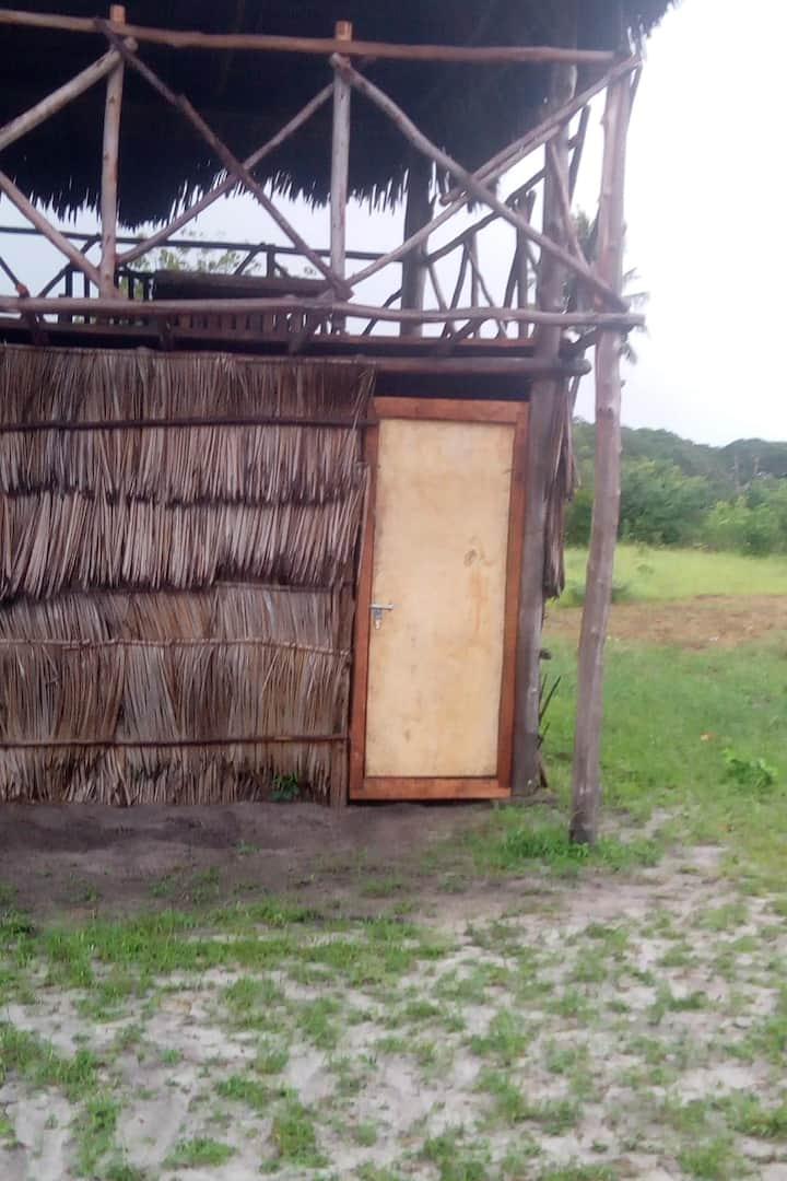 Makuti can also be used on wall