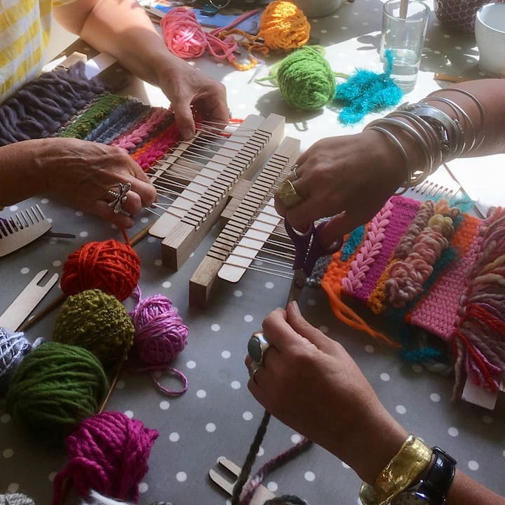 Build colours/textures to your weaving.