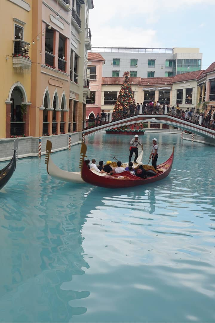"The ""Venice Grand Canal"" in BGC"