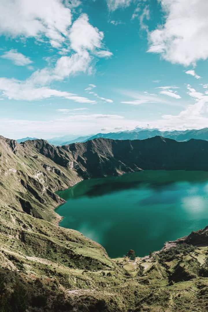 Laguna sobre el Volcán
