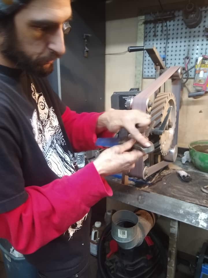 Charlie grinding his handle