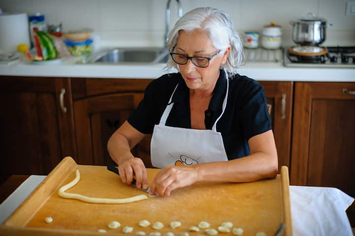 Orecchiette making