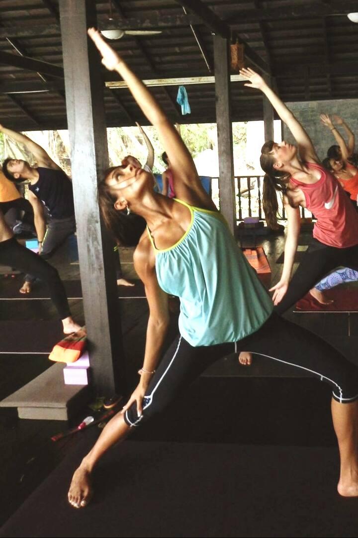 Vinyasa Flow energizing morning session