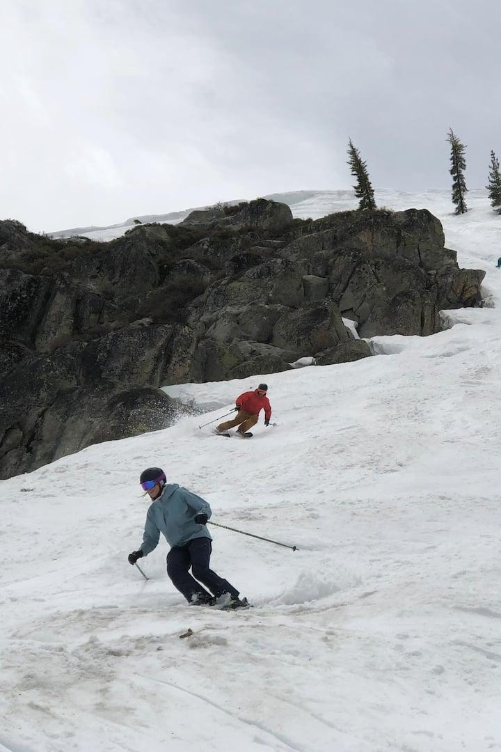 Classic chute skiing