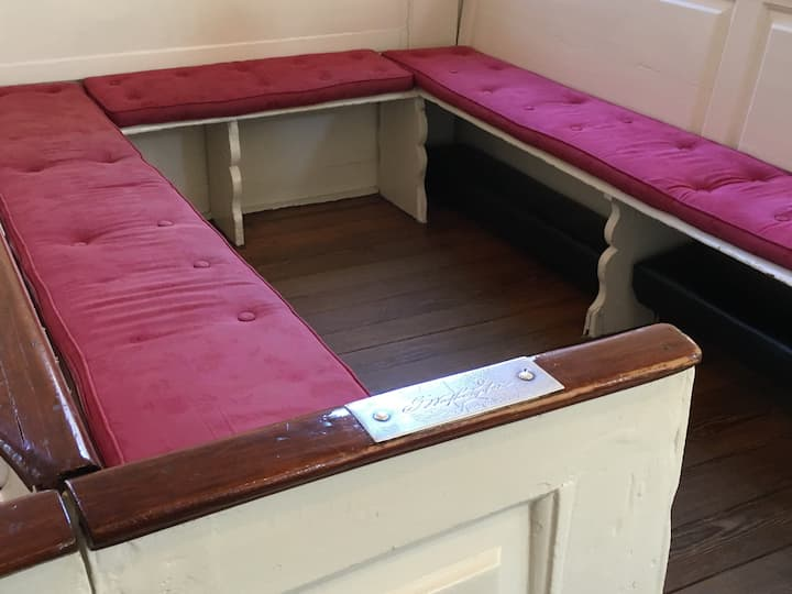 GW's pew at Christ Church
