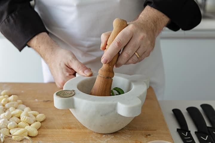 """Showing how to make """"Pesto"""" sauce"""
