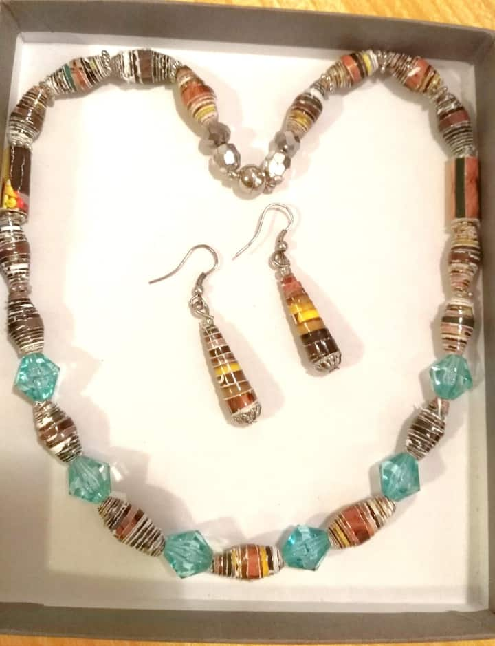 Necklace and Earings set.