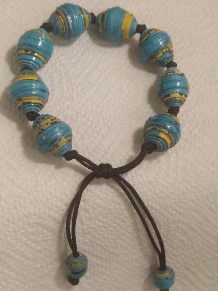 paperbead bracelet