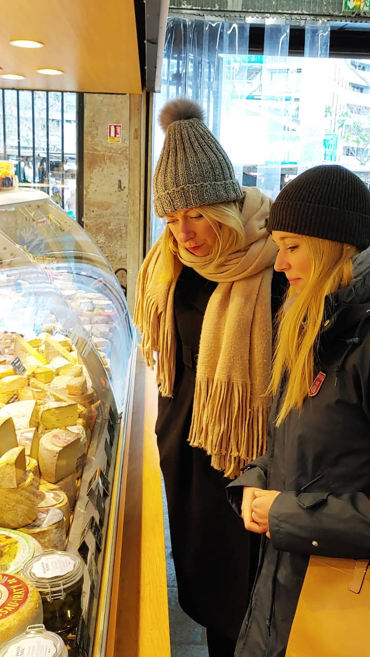 Negotiating in the Marché Beauvau