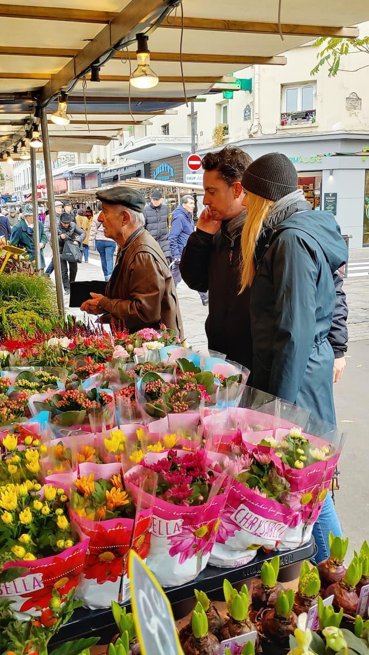 Flower vendor in Marché Aligre