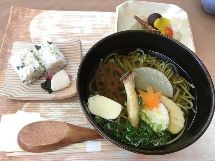 """Chasoba """"tea leaf noodles"""""""