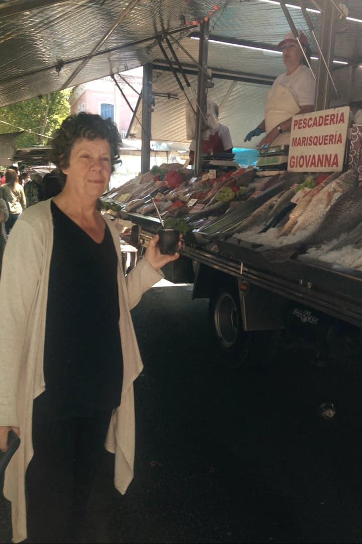 recorrido por la feria de Salto, Palermo