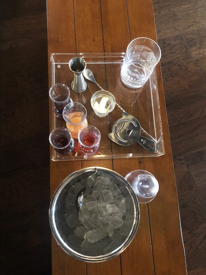 Cocktail Seminar Set Up!