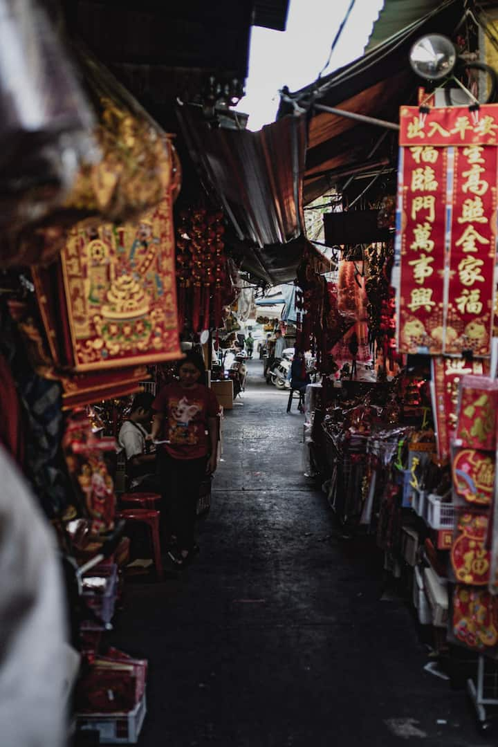 Walk the backstreets of Old Bangkok