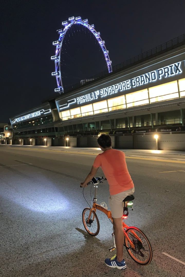 Cycle on the Marina Bay Street Circuit