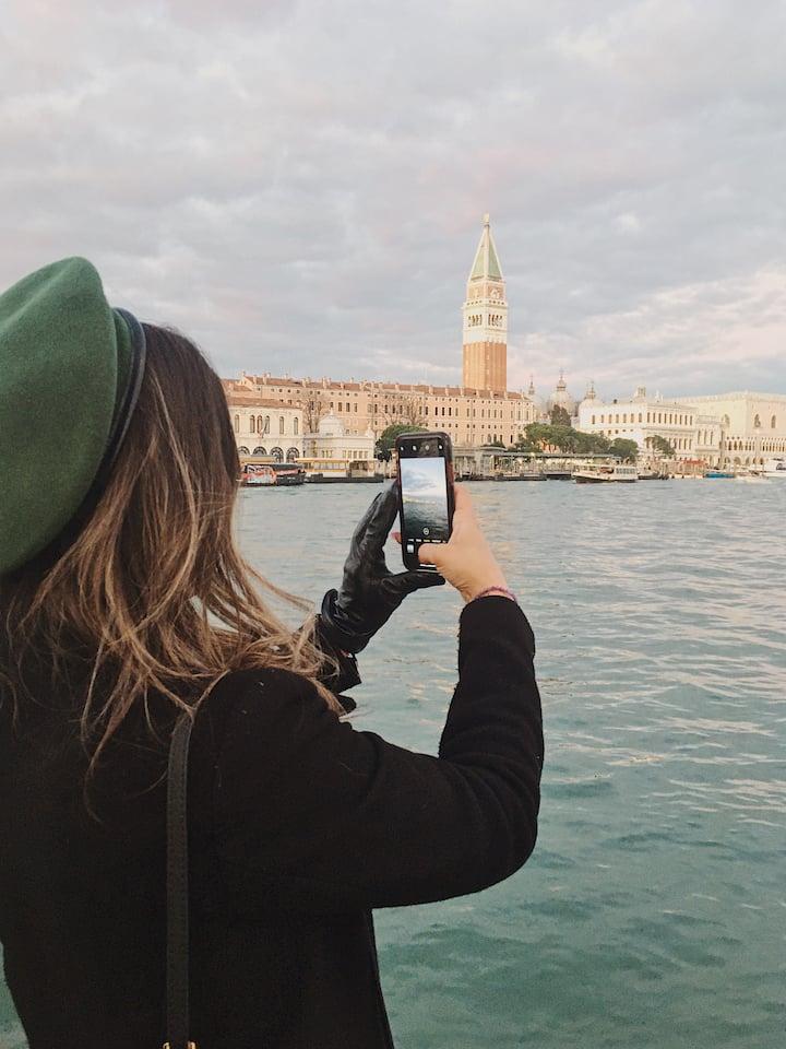 Taking pictures in Punta della Dogana