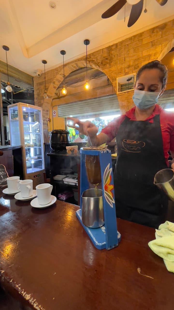 Y al Mercado Central por un café.