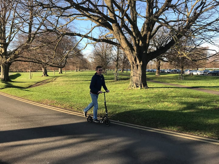 Scooting in Phoenix park