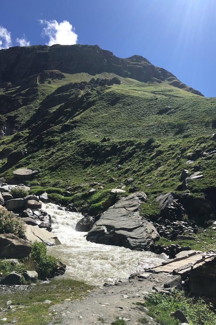 bridge to enchanting valley of Shepherd