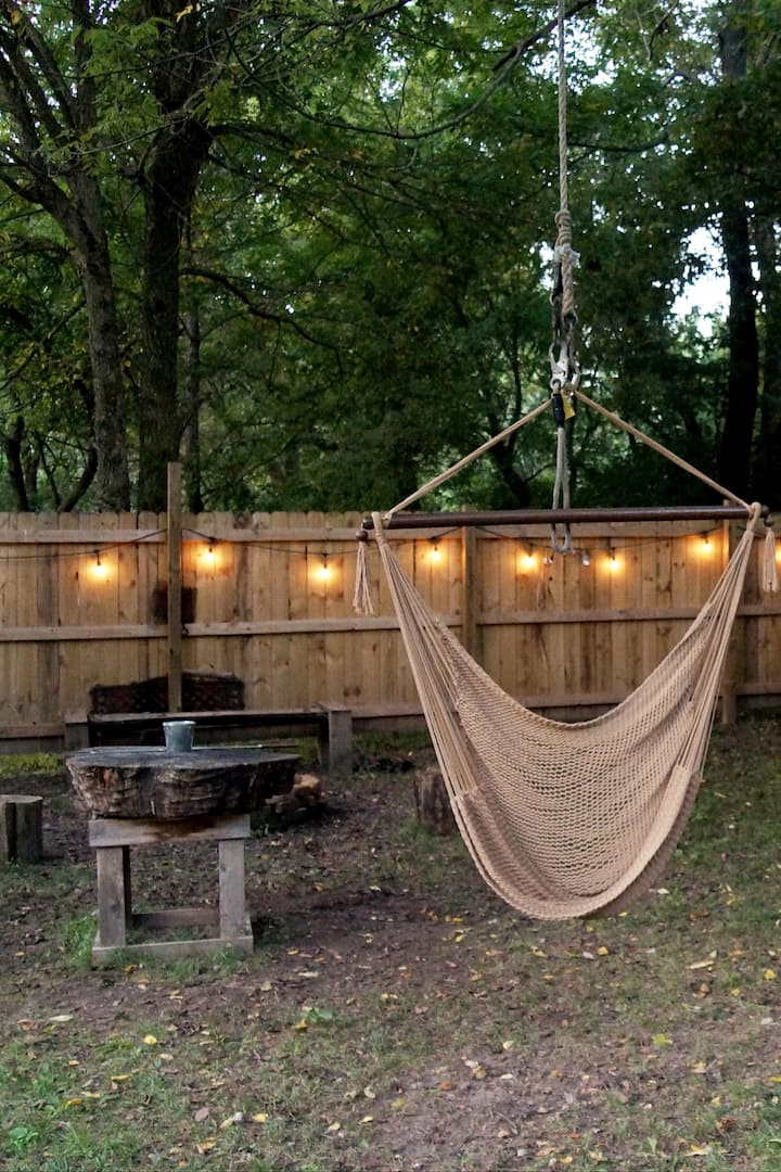 "Outdoor ""glamping"" space/cooking area"