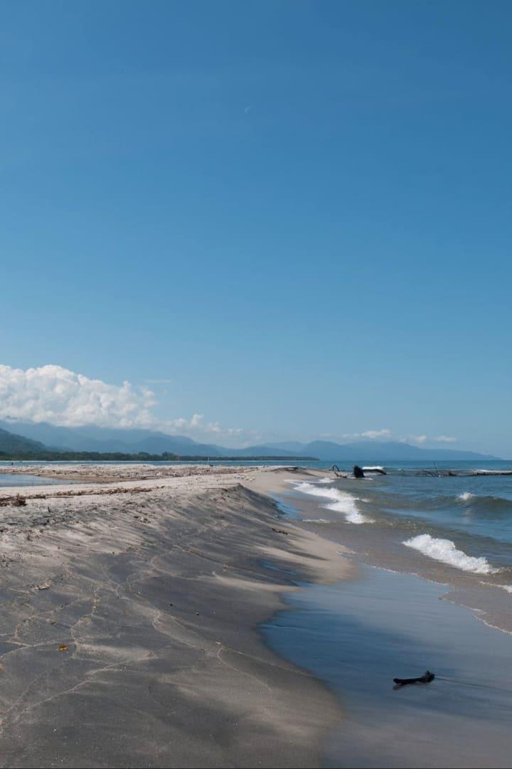 Donde el agua de la Sierra toca el Mar