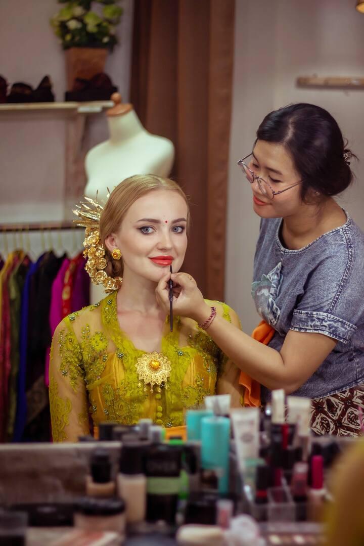 Include Balinese Signature Makeup Look