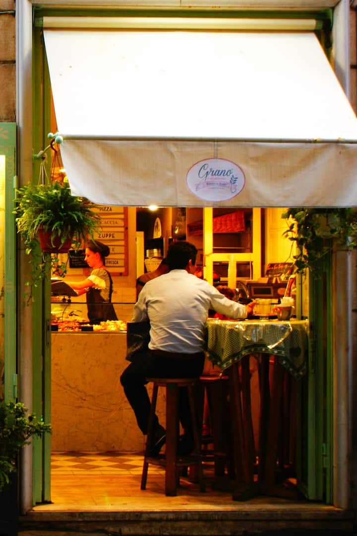 one of Rome's bistro places