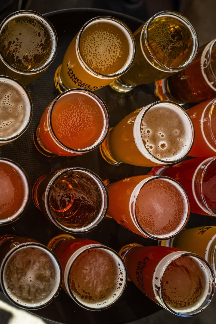 Each guest can choose a flight of beer!