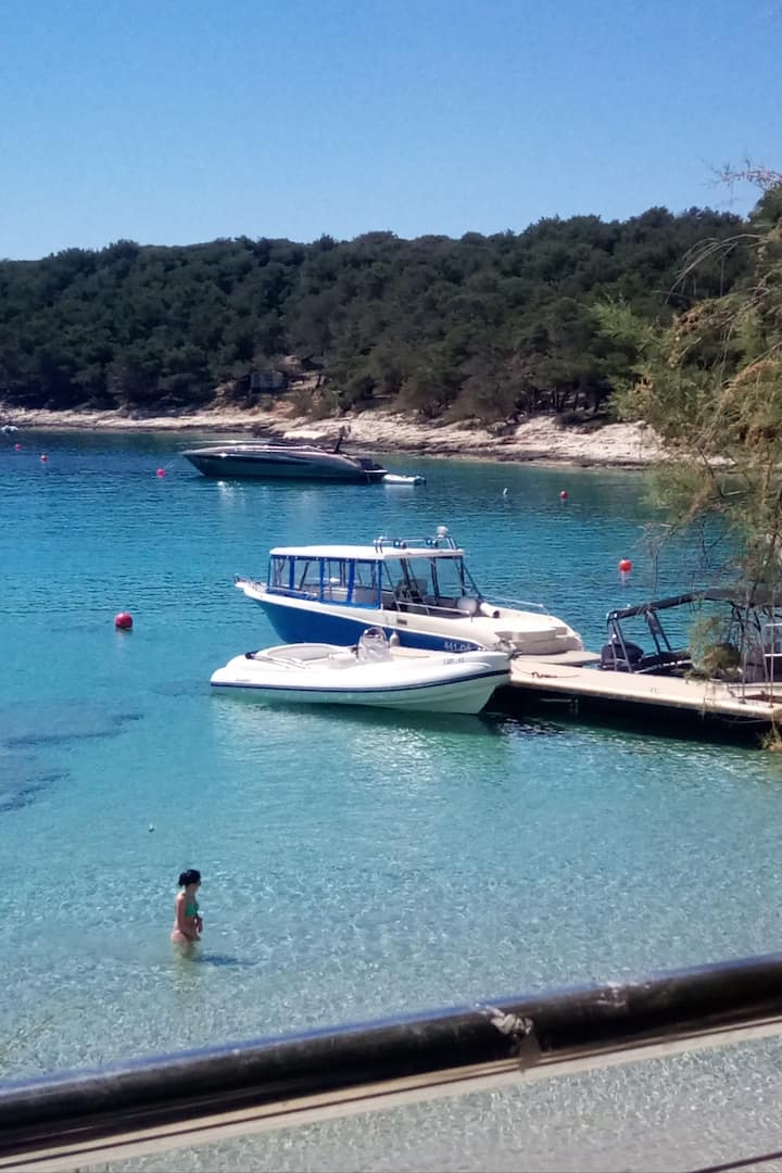 Pakleni islands(hidden beaches)