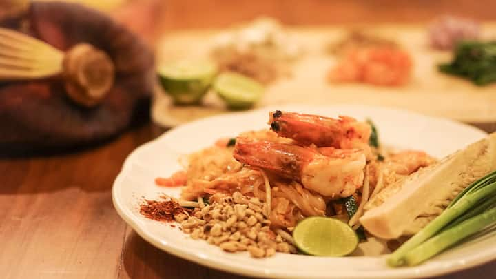 Authentic Pad Thai with Shrimps
