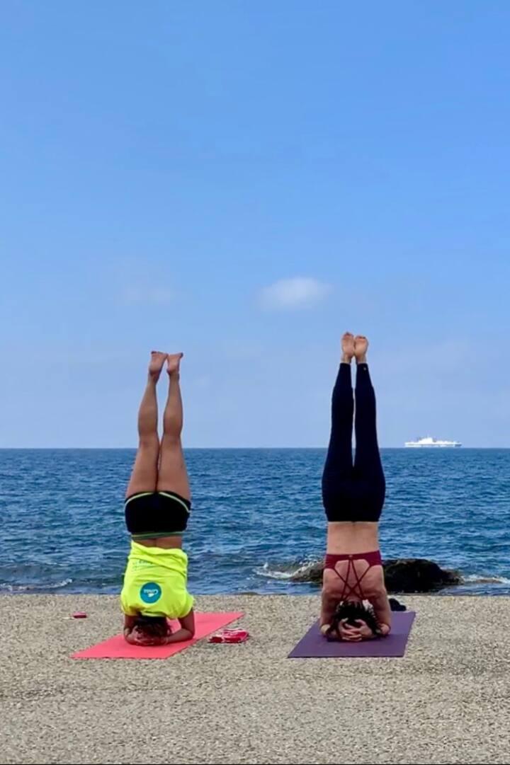 yoga dinamico all'aperto
