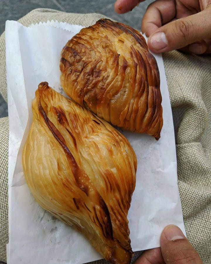 Breakfast in Malta is Pastizzi.