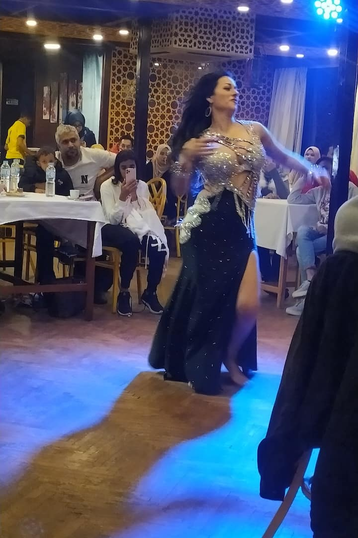 Oriental dance with nile course