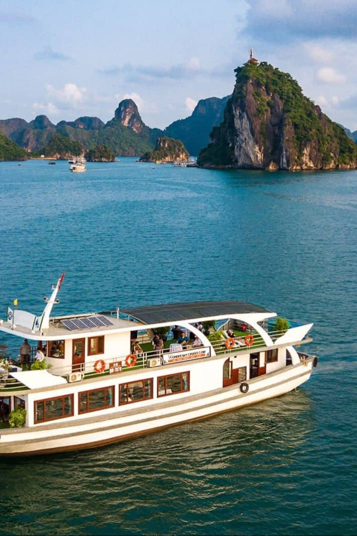 Halong Bay Day Cruise With Express Bus