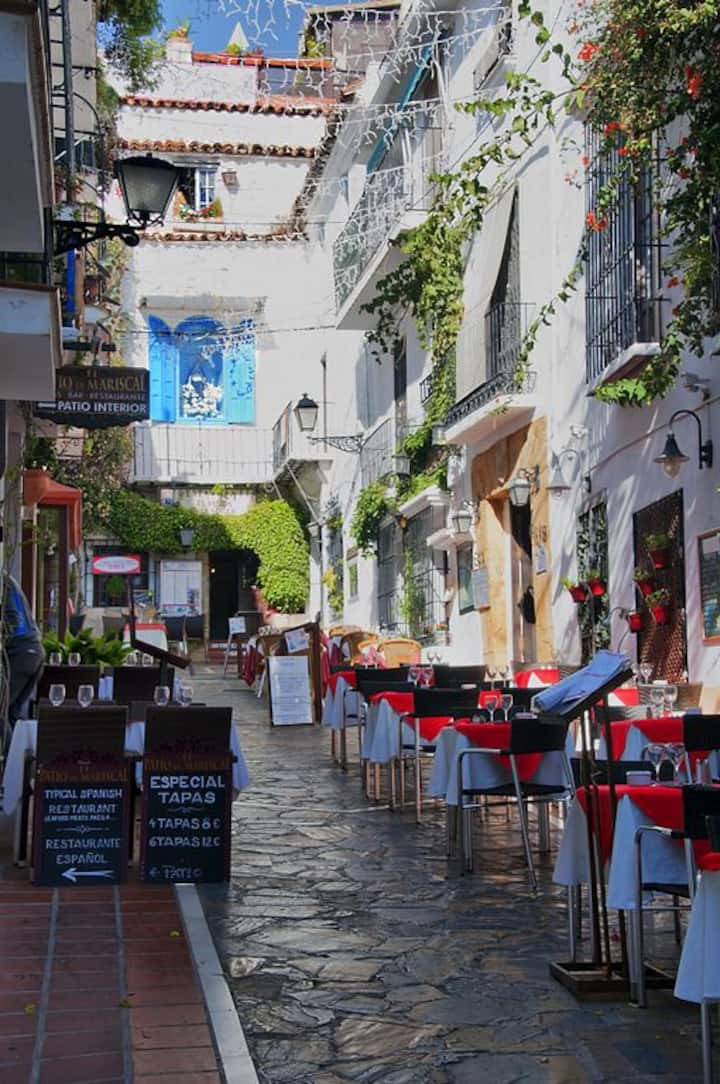 Beautiful  Calle Virgen de los Dolores