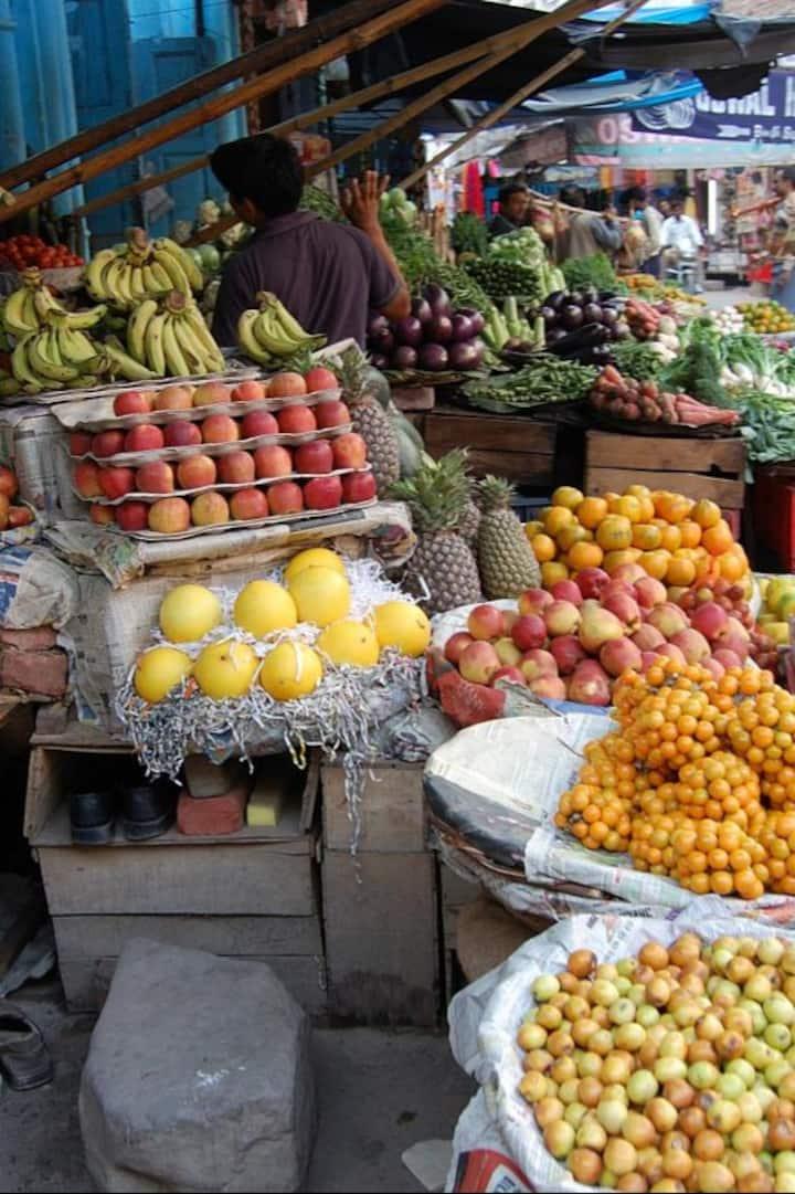 Vegetables Shop during walks
