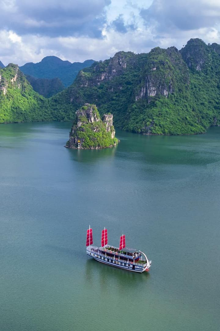 Halong Bay Day Cruise From Tuan Chau