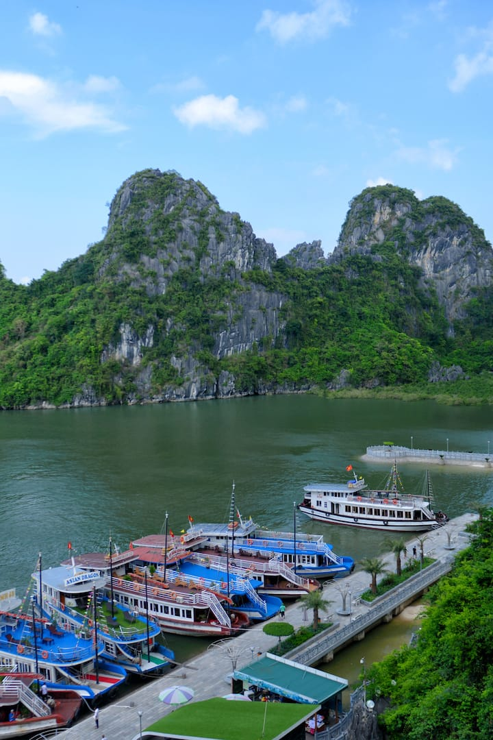 HALONG BAY DAY TOUR BY EXPRESSWAY BUS