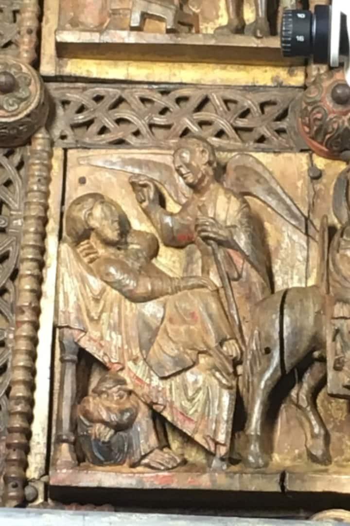 Detail aus der romanischen Holztür
