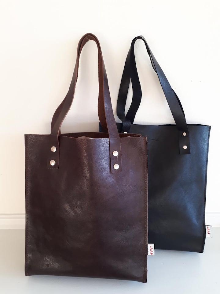 Size Bag: 36cm x 30cm x 9cm