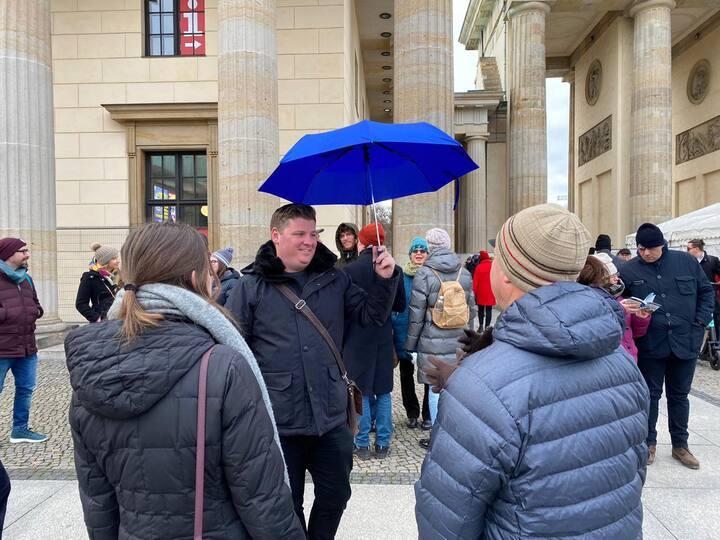 Meeting point- spot the blue umbrella