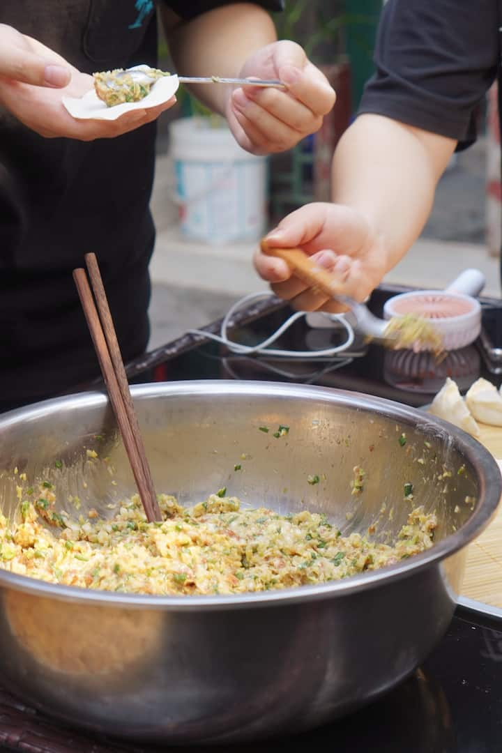 Dumpling Making          包饺子