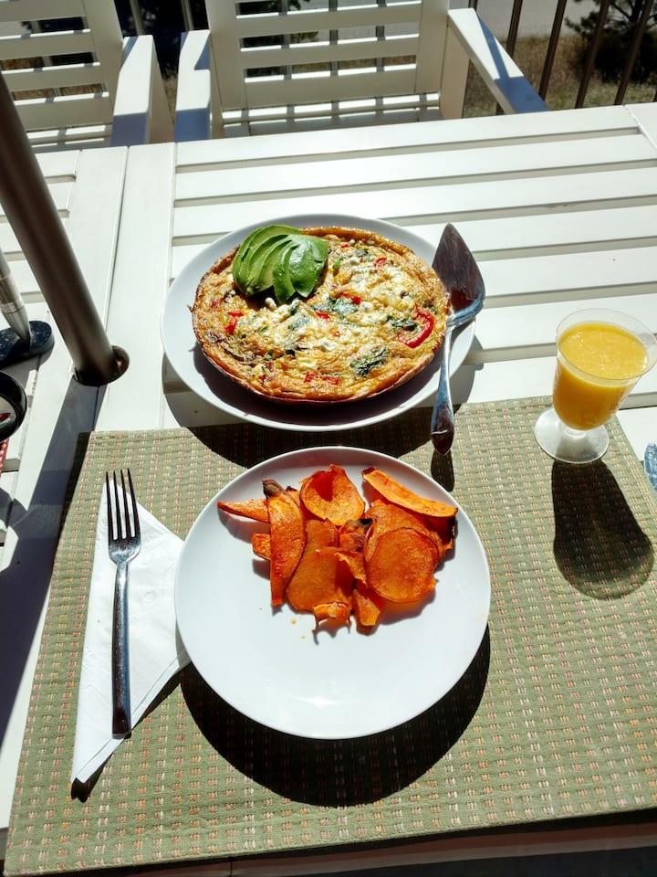 Roasted Veggie Fritatta & Sweet Pots