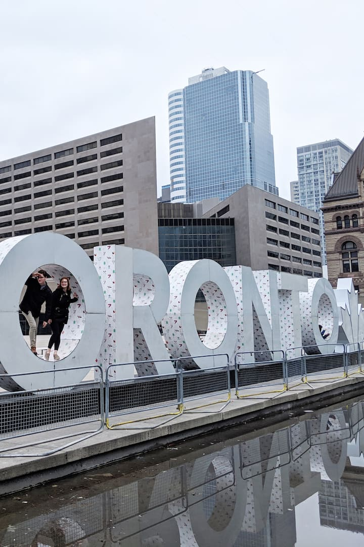 "Welcome to the ""Toronto Sign"""