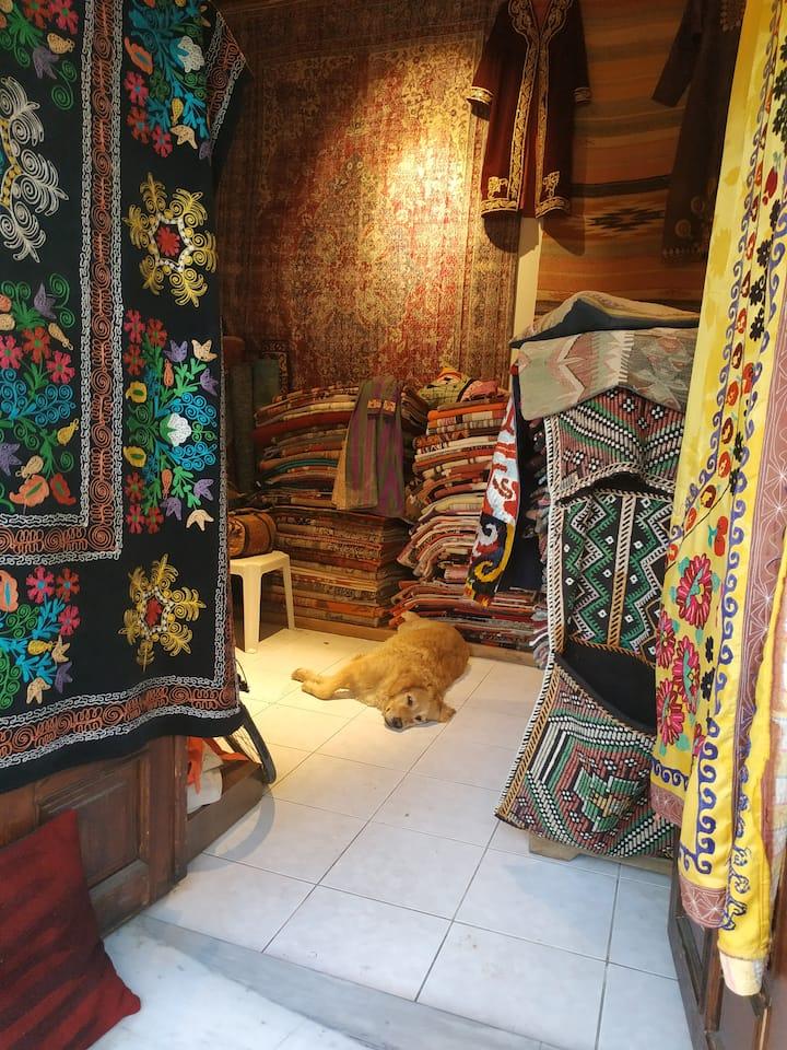 Полюбоваться узорами турецких ковров