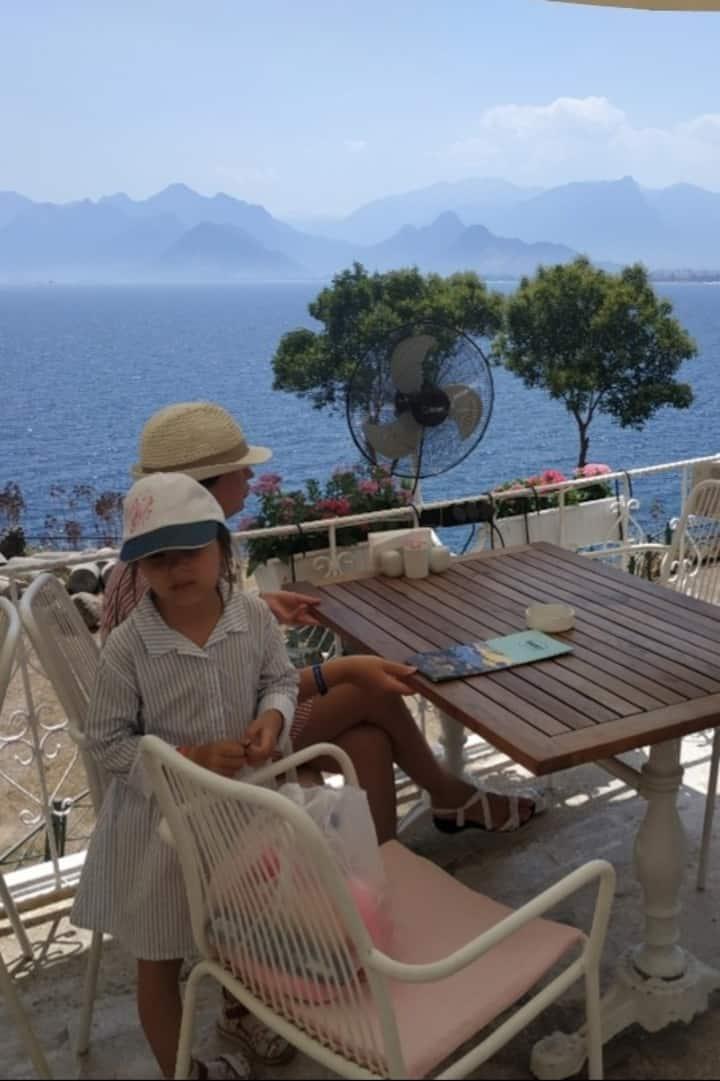 Выпить чашечку кофе с видом на горы