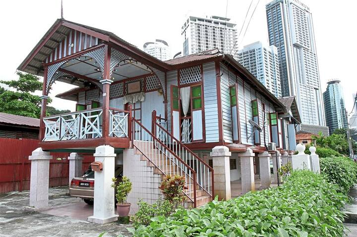 Traditional houses aplenty in Kg Baru