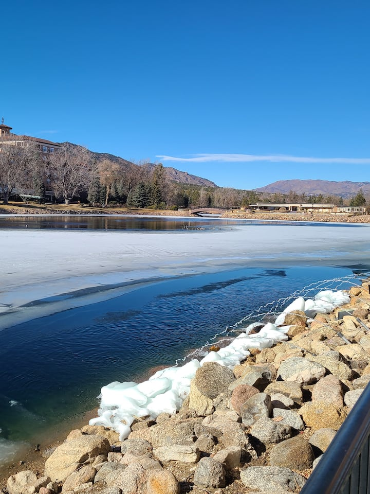 The lake at Broadmoor in winter
