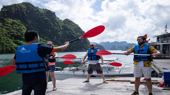 Halong Catamaran Full Day Trip