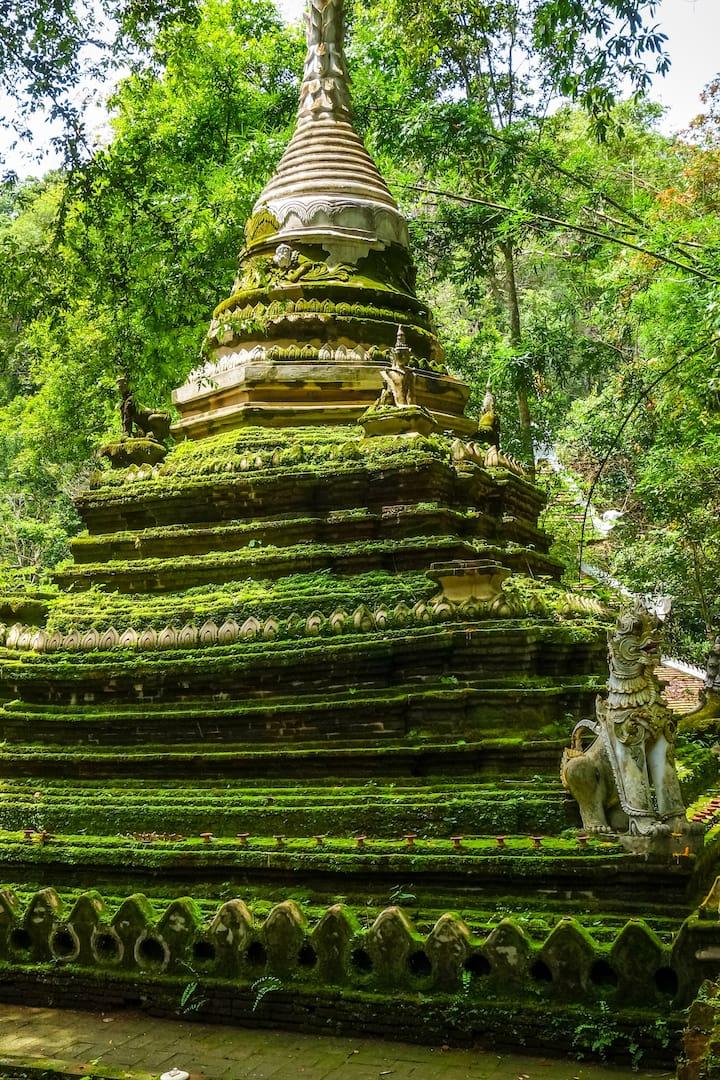 Wat Palad temple stupa